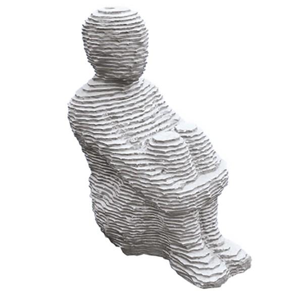 Skulptur, Man sitting holding knees