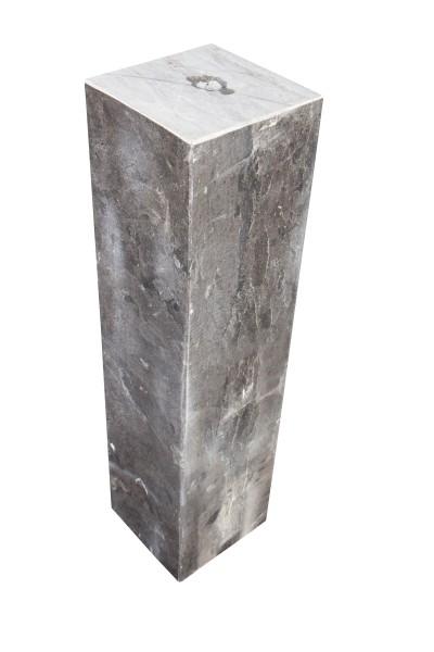 Kalksteinsäulen, gebohrt, schwarz