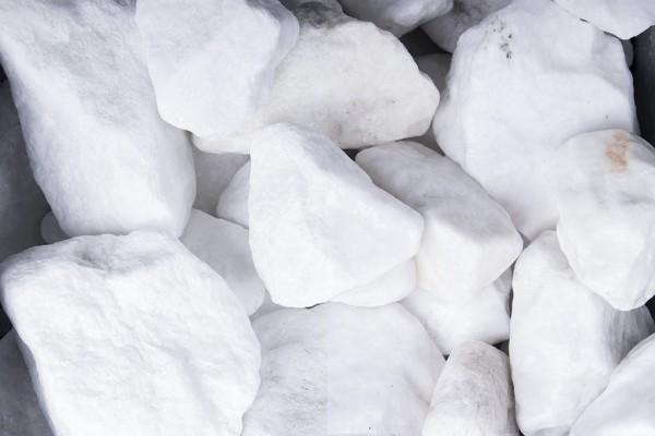 Schneeweiss Steinschlag / Schotter